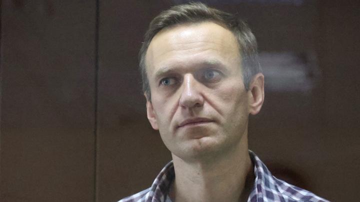 Навальный признан виновным в клевете на Артеменко