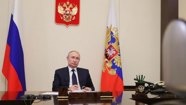 Путин пояснил, кто заболел в его окружении