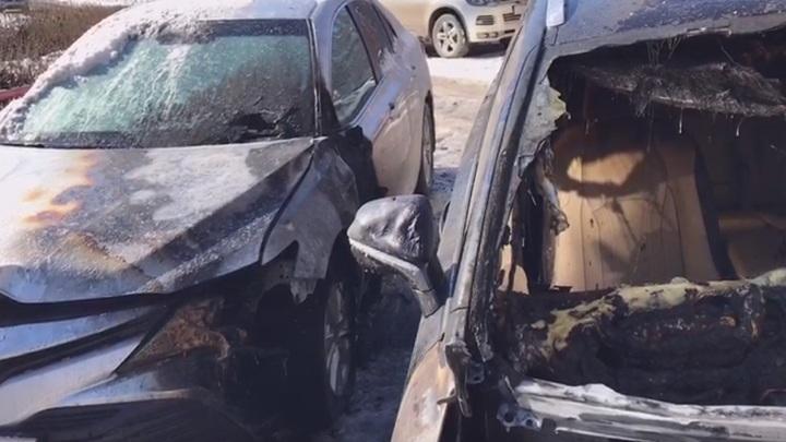 В Липецке подозреваемый в поджоге Lexus попал на видео
