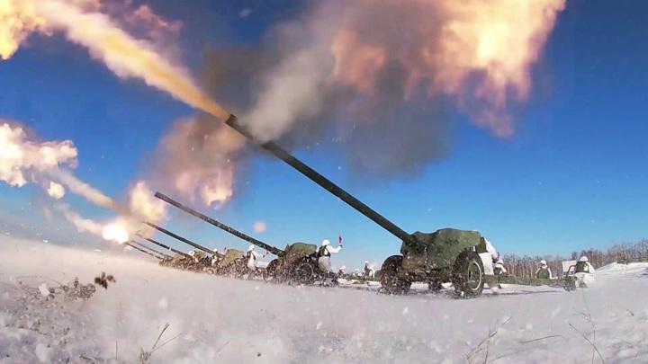 Торжества по всей стране: Россия отметила День защитника Отечества