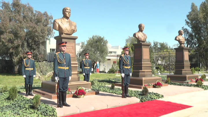 В Сирии открыли памятник Герою России Олегу Пешкову