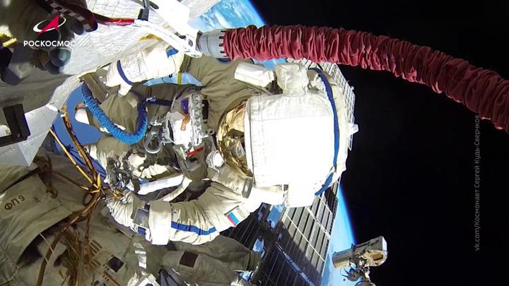 Не три, а шесть: на МКС обнаружили новые трещины