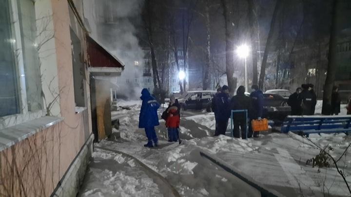 В Лебедяни жильцов дома эвакуировали из-за горящих вещей
