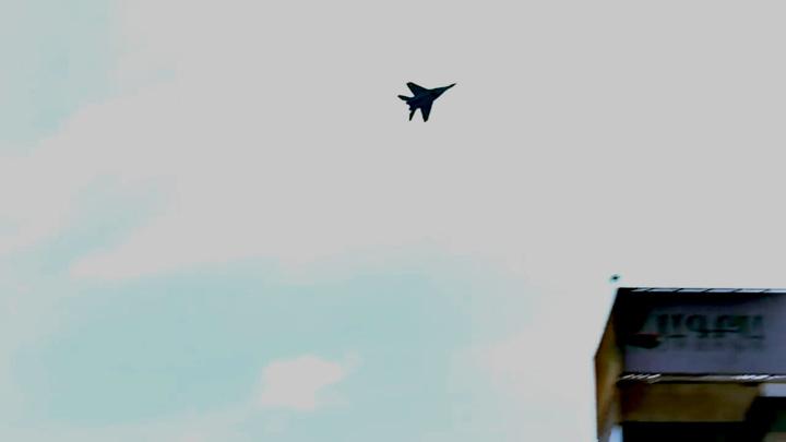 Над Ереваном замечен истребитель