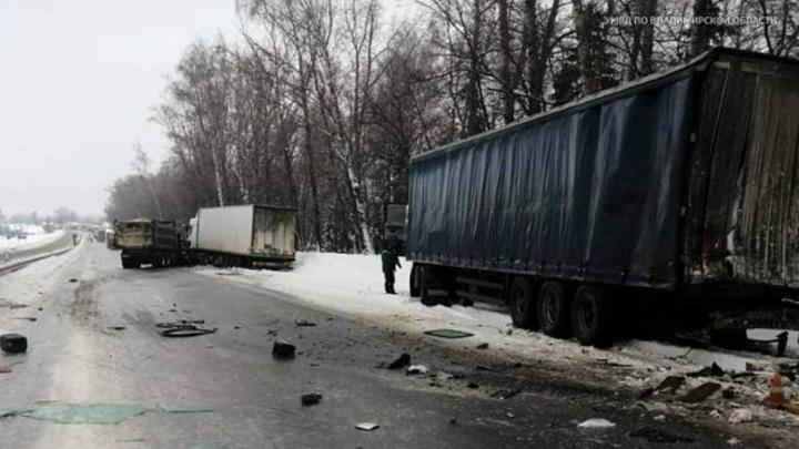 Во Владимирской области произошло смертельное ДТП с участием двух фур