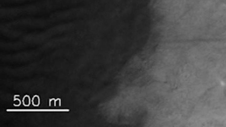 Роскосмос показал гигантские марсианские смерчи