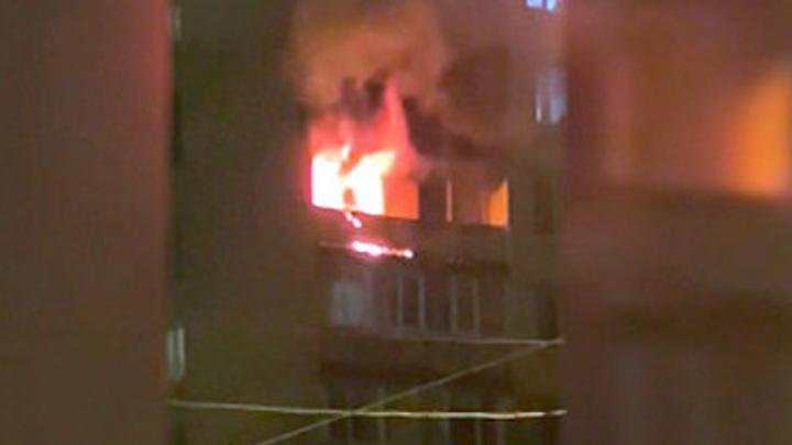 Пожарные обнаружили в сгоревшей квартире пенсионерку со связанными руками