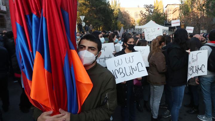 Президент Армении не подписал повторное предложение об отставке главы Генштаба