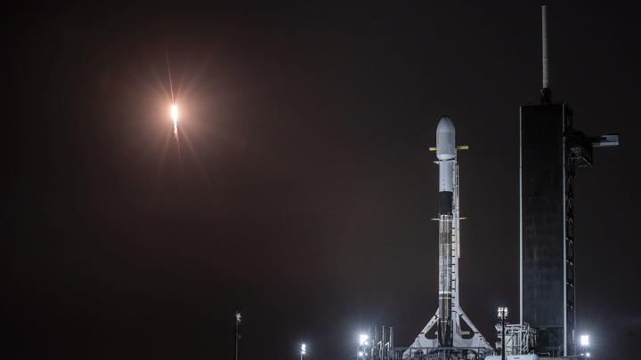 Space X опять перенесла запуск Falcon 9
