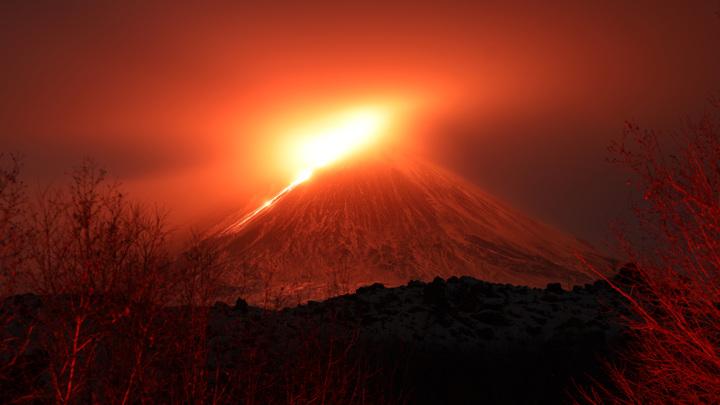 Извержение Ключевского на Камчатке становится опасным