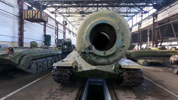 На Балтфлоте приступили к восстановлению танка, участвовавшего в Параде Победы в Берлине
