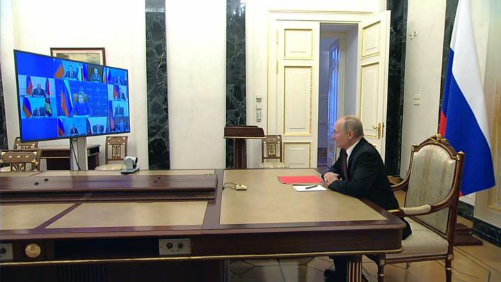 Президент обсудил с Совбезом интересы России