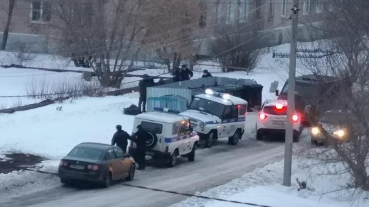 Страшная находка: в Челябинской области на мусорке нашли труп в ковре