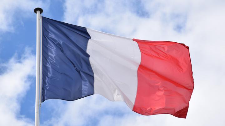 Париж вслед за Москвой не стал комментировать историю с дипломатами