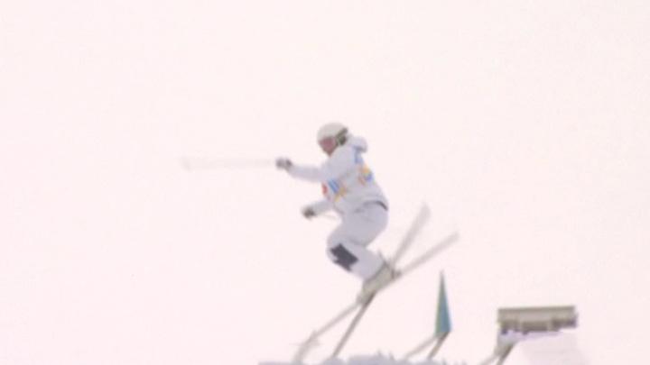 Фристайлистка Смирнова завоевала золото чемпионата мира в парном могуле