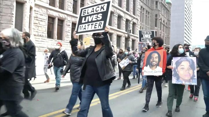 BLM у суда: после лозунгов зазвучали выстрелы