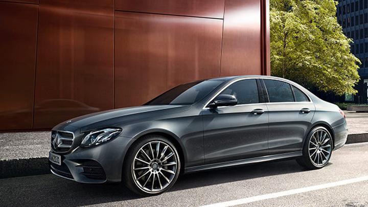 Толчок четырьмя шинами: тест-драйв нового Mercedes