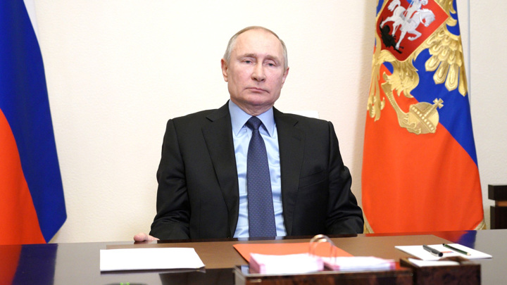 """Президент обсудил с Совбезом """"анти-Россию"""" и безопасность"""