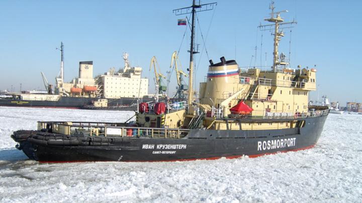 В Санкт-Петербурге с ледокола пытались слить 100 тонн дизеля