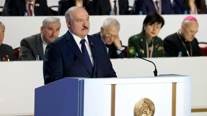 Белорусский лидер высказался о друзьях и пиаре