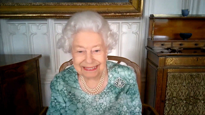 Елизавета II вспомнила о Гагарине, но не о Гарри