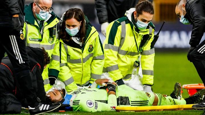 """Вратарь """"Вулверхэмптона"""" тяжело травмировался в матче с """"Ливерпулем"""""""