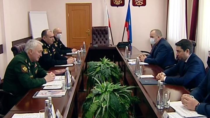 В Мурманск с рабочей поездкой прибыл замминистра обороны
