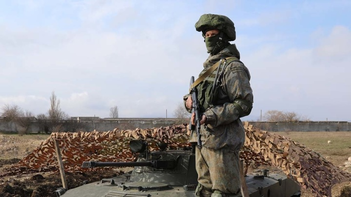 Две тысячи бойцов и пятьсот бронемашин. В Крыму начались учения ВДВ