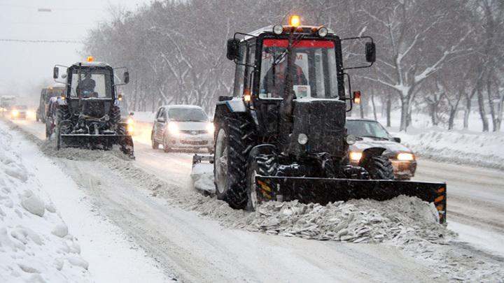 Минстрой взял на контроль ситуацию с плохой уборкой снега в Оренбуржье