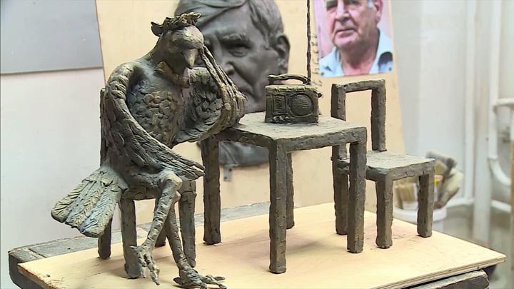 Улицы Курска украсили новые скульптуры. Среди них — Курский соловей
