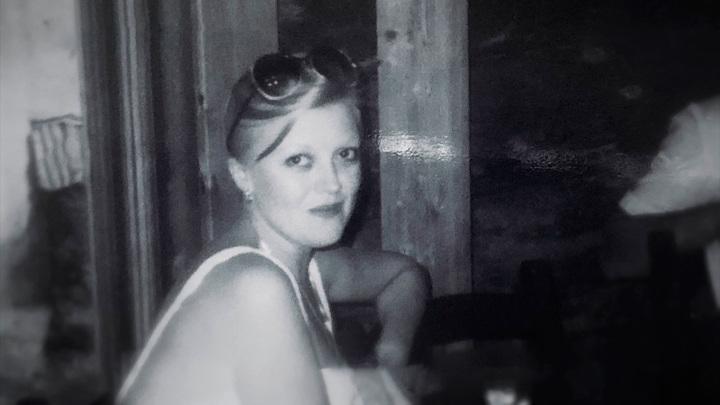 """Кадр из программы """"Прямой эфир"""". Москва слезам не верит: сестра Наталии Дрожжиной раскрывает семейные тайны"""