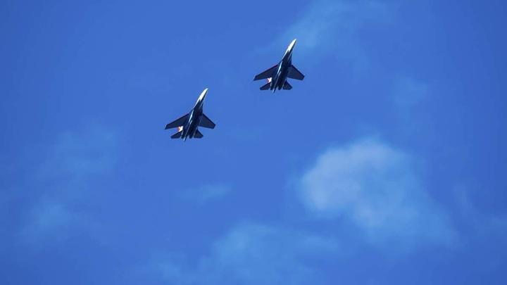 """""""Русские витязи"""" впервые испытали Су-35С в учебном бою"""