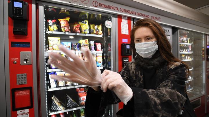 В Санкт-Петербурге отменили перчаточный режим в общественных местах