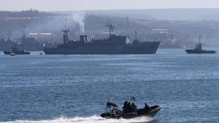 Украина заподозрила российского адмирала в подстрекательстве к измене