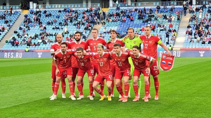 Сафонов, Захарян и Макаров вошли в расширенный состав сборной России