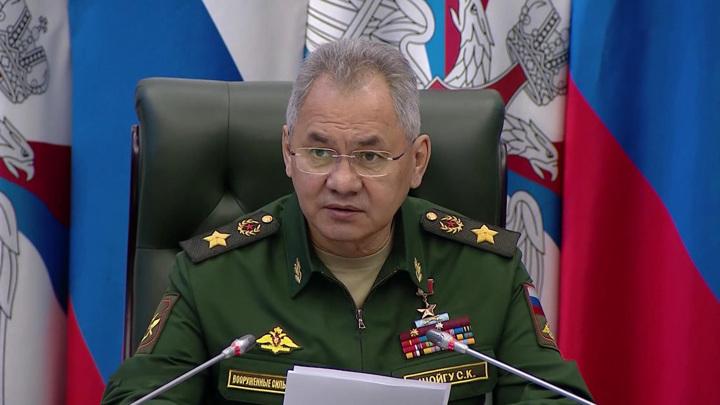 Сергей Шойгу поздравил ветеранов и личный состав Вооруженных сил с Днем Победы