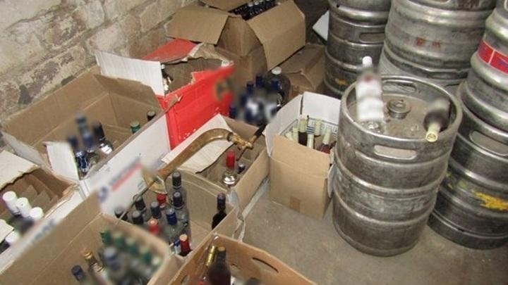 Крупную партию контрафактного алкоголя и сигарет изъяли на Ставрополье