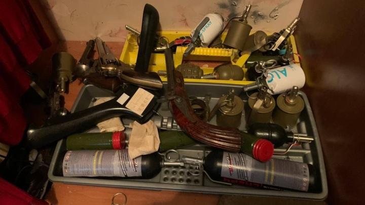 Крупный арсенал нашли в доме устроившего стрельбу жителя Мытищ