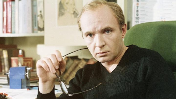 """Кадр из программы """"Судьба человека"""". Андрей Мягков"""