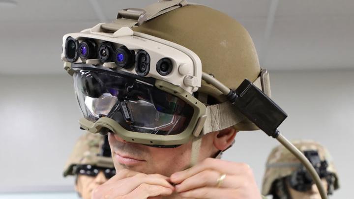 """Microsoft экипирует """"солдат будущего"""" для Пентагона"""
