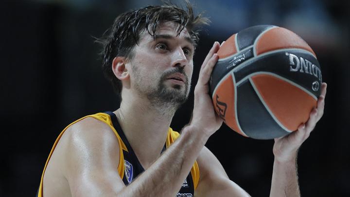 Баскетболист Швед объявил о завершении карьеры в сборной России