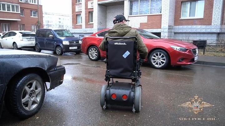 У инвалида из Благовещенска украли подаренную министром коляску