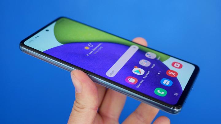 Суд запретил ввоз в Россию более 60 моделей смартфонов Samsung