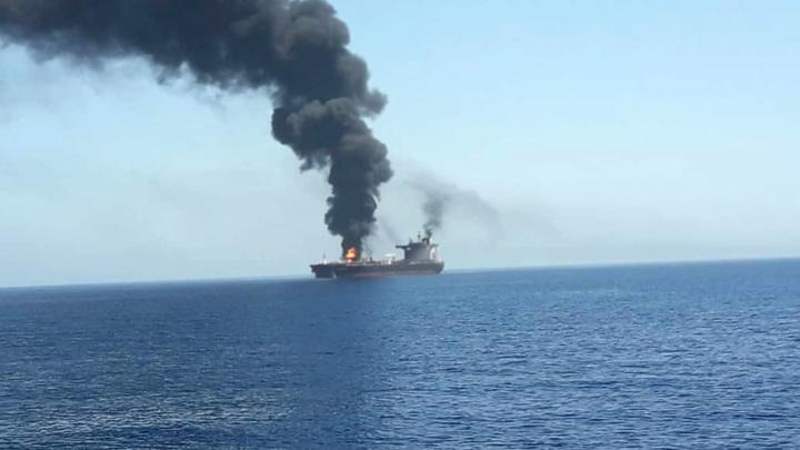 В Красном море иранское судно подорвалось на мине