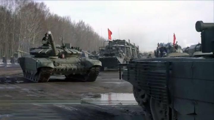 Специалисты ЗВО готовят военную технику к Параду Победы в Петербурге