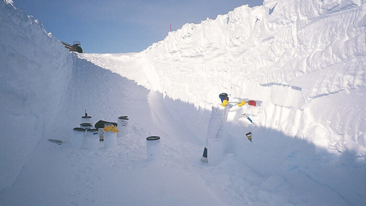 В Антарктиде космическую пыль можно собирать вместе со снегом.