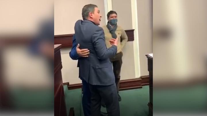Приставания неадекватного киевского депутата к коллегам попали на видео