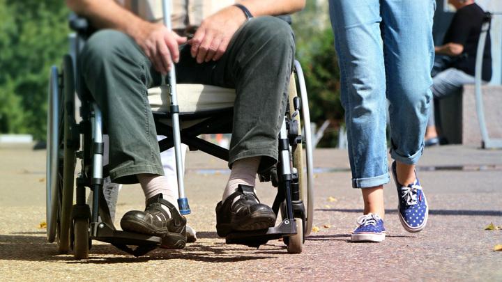 Травмы спинного мозга могут привести к долгосрочным проблемам со здоровьем вплоть до инвалидности.