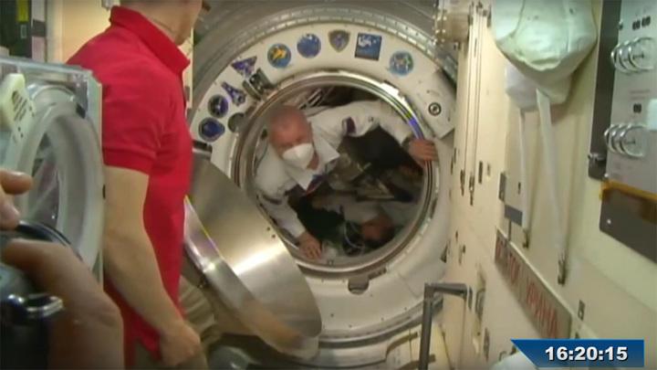 Новый экипаж прилетел на МКС