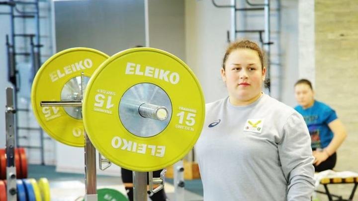 Штангистка Ахмерова принесла России первое золото чемпионата Европы